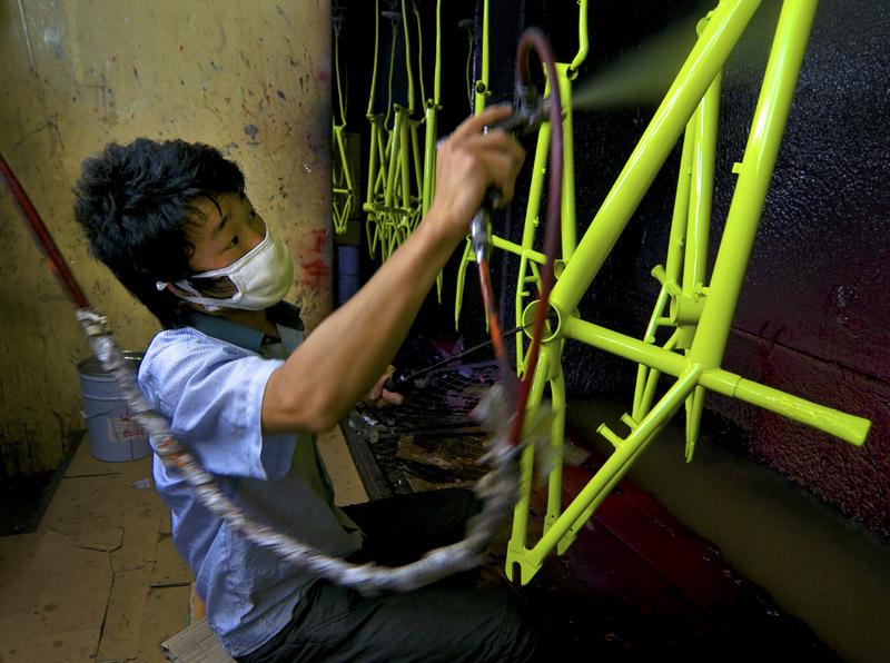 喷漆工人 eyha 自行车