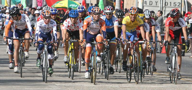 南澳举行环岛自行车赛