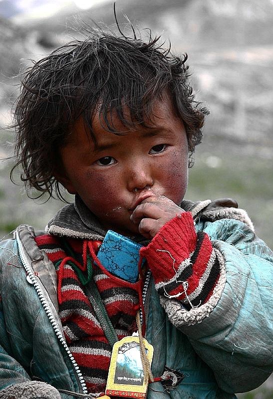 然乌湖的藏族小孩