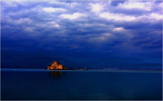 移动的海上城堡