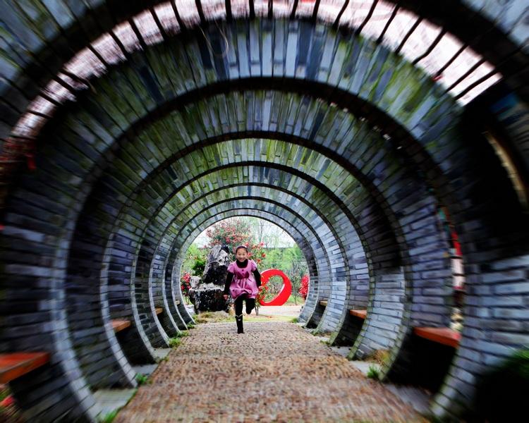 解密让人神秘失踪的时空隧道