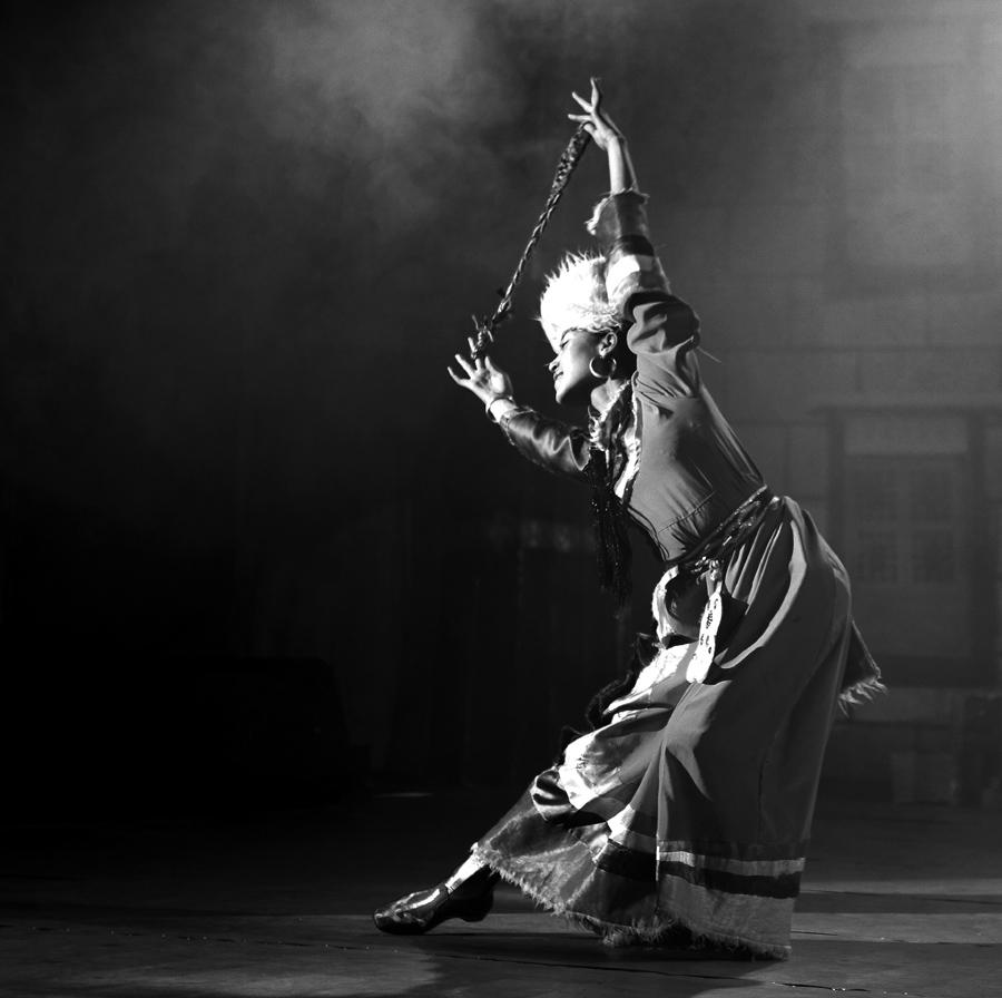 藏族舞蹈 依飒