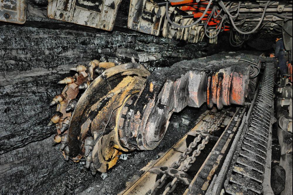 煤矿井下采煤图片