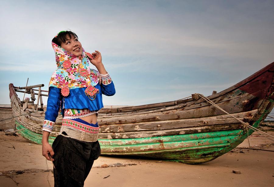 头巾是惠安女服饰中最富有特色的部分