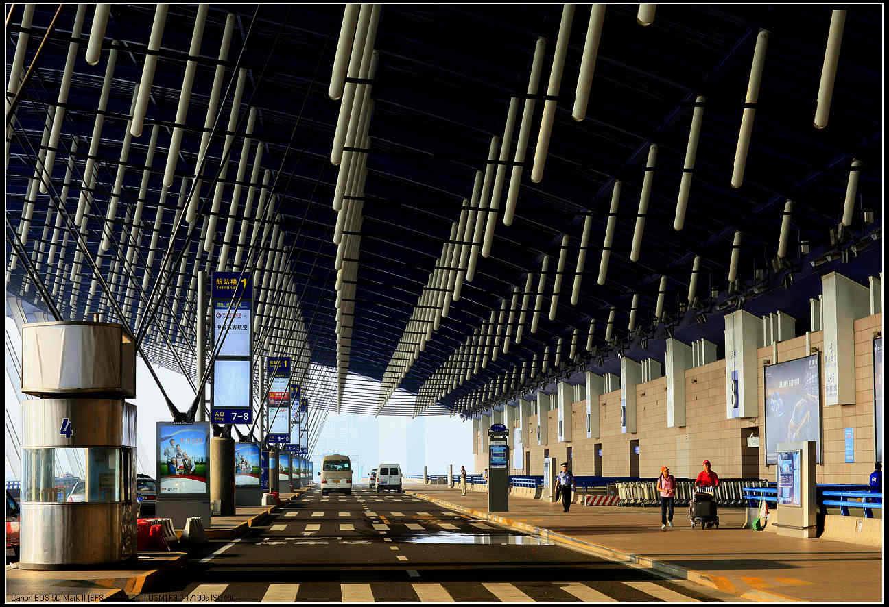 浦东国际机场t2航站楼