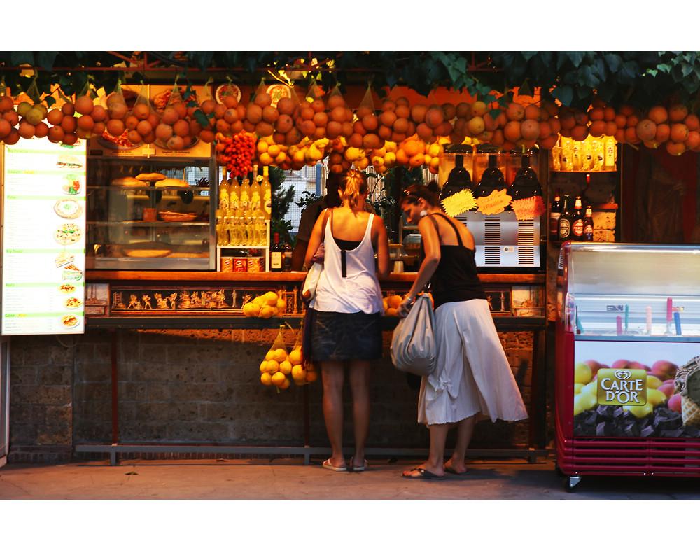 傍晚水果店