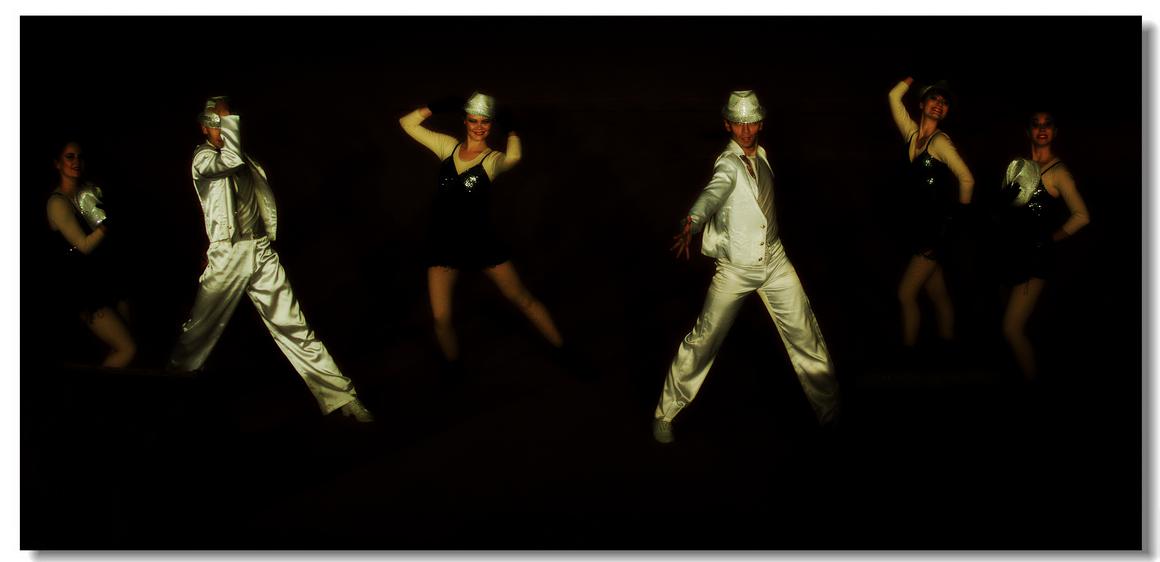 跳爵士舞的发型图片展示