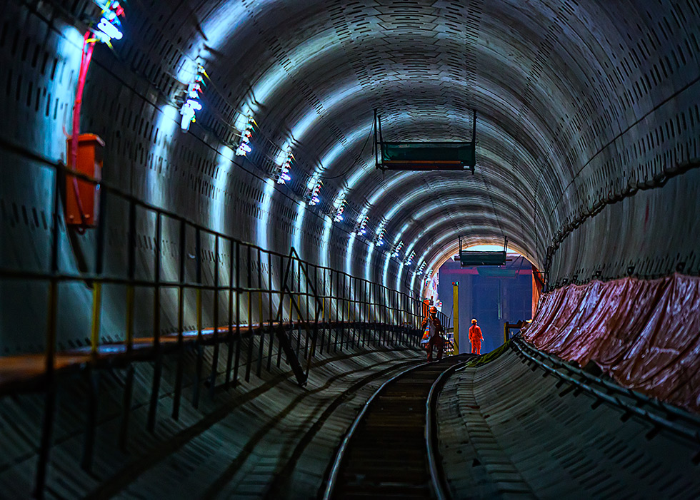 建设中的地铁隧道