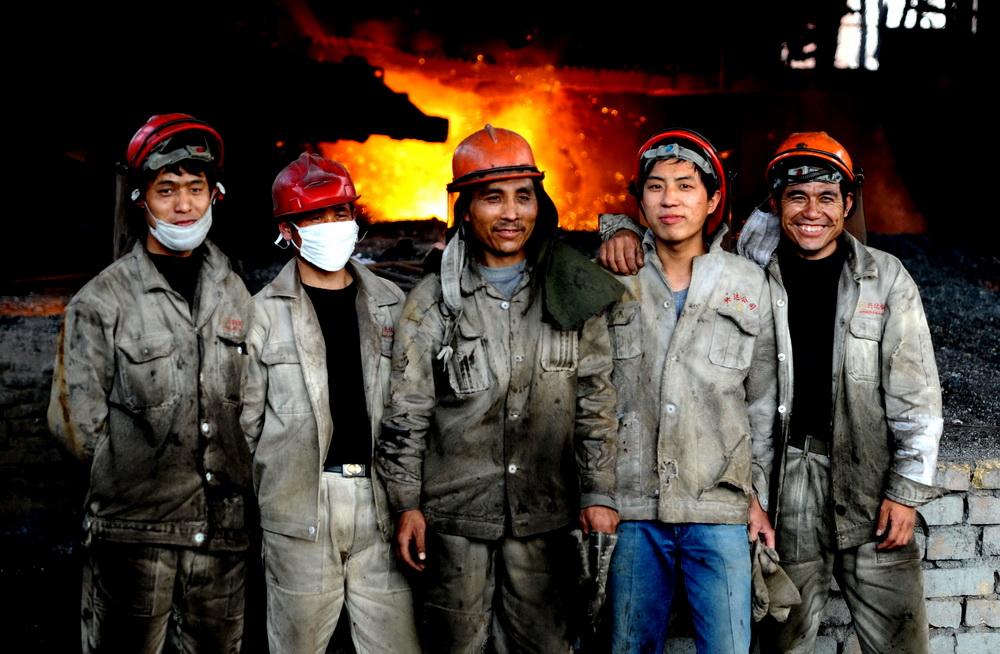 炼钢工人图片_炼钢工人图片